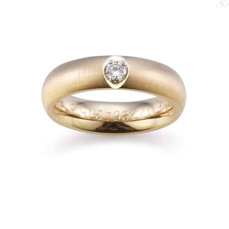 Trauringe zweifarbig mit großen zentralen Diamanten exklusives Design