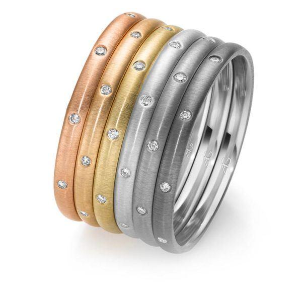 Schmuckringe in Gold von Gerstner Design mit Brillanten Diamanten