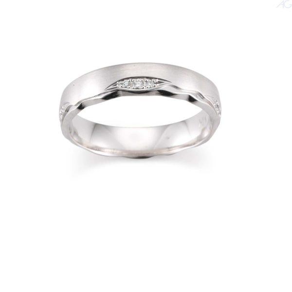 Trauringe Design mit Diamanten in Weißgold und Platin