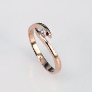 Verlobungsring mit geschwungener Spannfassung - Twist - Roségold-0